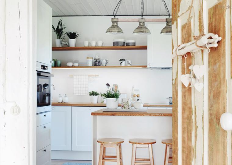 f956039862c Antud eritellimusel köögimööbel sai Tartu Mööblikoja poolt teostatud  Viljandi külje all asuvasse maamajja. Helgetes toonides ruum on sisustatud  valge ...